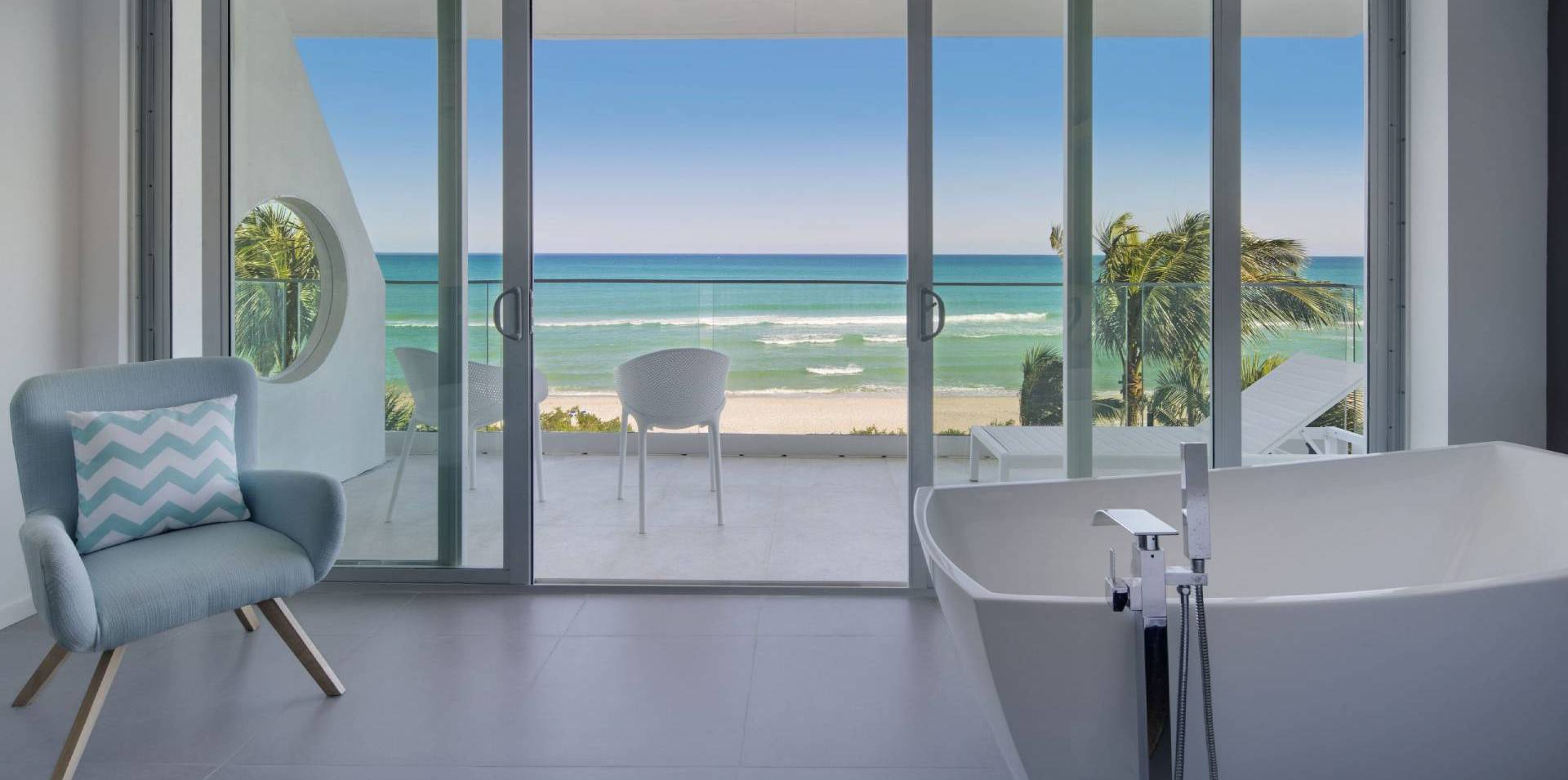 Oceanfront-unique-view-ocean-tub-1-2